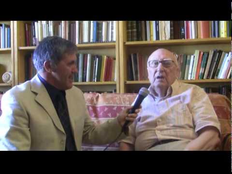 """Andrea Camilleri: """"Onorato di ricevere il Premio Mediterraneo 2011 di Lauria"""""""