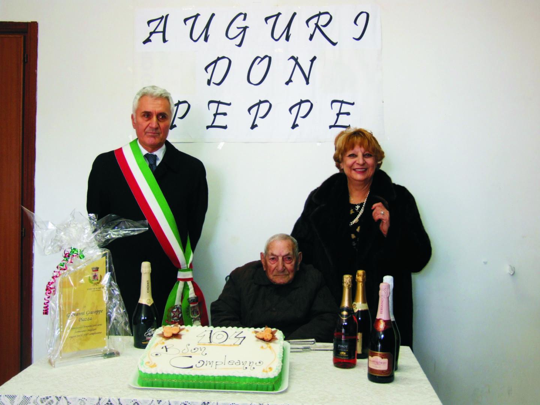 Piazza 104 anni, col sindaco Iannicelli