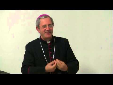 La battuta del Vescovo Nolè su Papa Francesco