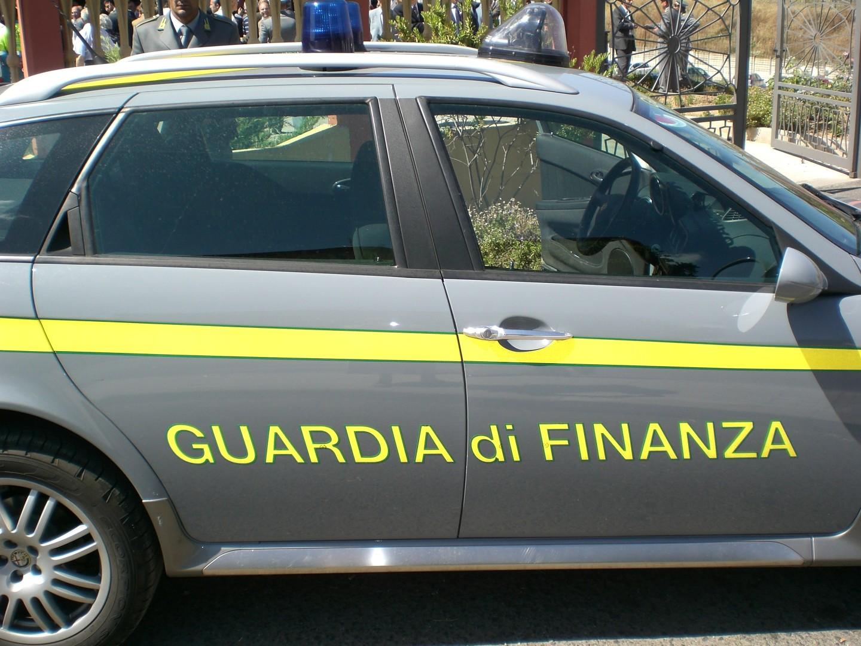 Palermo, giro di tangenti: arrestati tre finanzieri$
