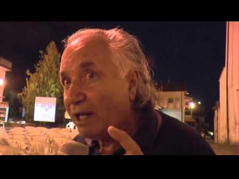 Il maestro Antonio La Cava  con il Bibliomotocarro a Nemoli