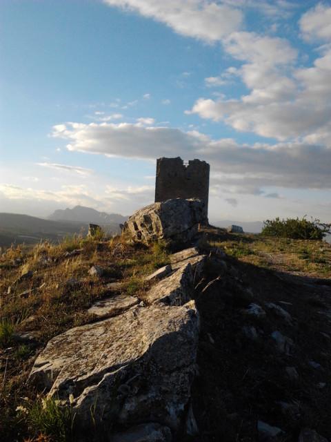 torre_di_satriano_cima_foto_al_parco