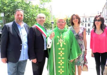 Mons. Vincenzo Orofino celebra nella Chiesa Concattedrale di Lagonegro ed inaugura la nuova entrata del Municipio