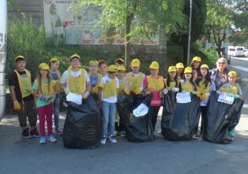 Gli alunni di Lauria: vogliamo una città più pulita ed un campo di calcetto libero per noi