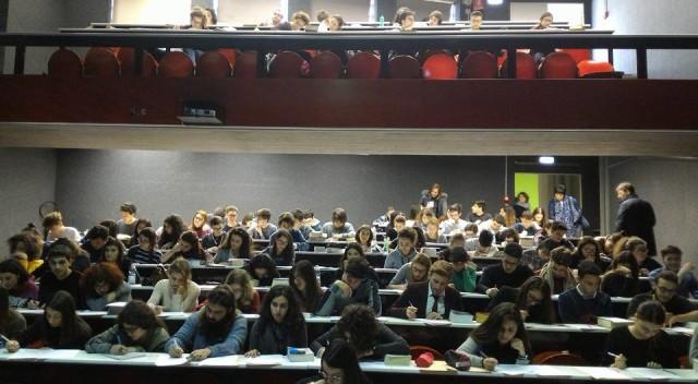 studenti durante gara Olimpiadi 15 febbraio