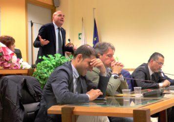 Il Presidente Pittella, l'Assessore Braia e i sindacati a Lauria per i forestali