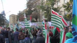 Lagonegro, manifestazione a sostegno della costruzione del nuovo Ospedale e dei servizi sanitari