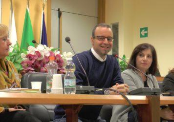 """Presentato nella sala consiliare lauriota il libro di Domenico Lauria """"Brandelli di realtà"""""""