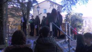 Marines Tortorella incanta gli studenti nel corso della manifestazione sul clima